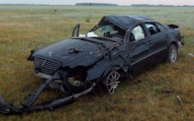 Два человека погибли в опрокинувшейся иномарке на Алтае