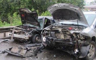 Два человека пострадали в тройном ДТП в Смоленске