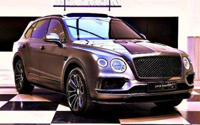 Кроссовер Bentley Bentayga получил сразу две спецверсии