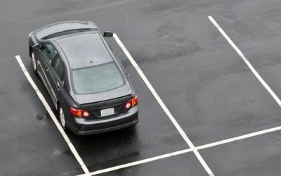 ГОСТ наразмеры парковочных мест изменят: придется втискиваться в5×2 метра