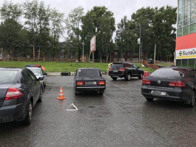 В Сыктывкаре автомобиль сбил 8-летнюю девочку (2)