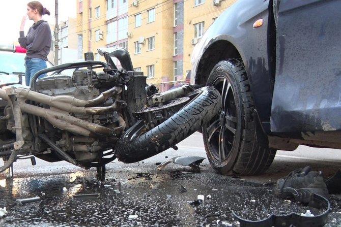 В ДТП в Дзержинске погиб мотоциклист (2)