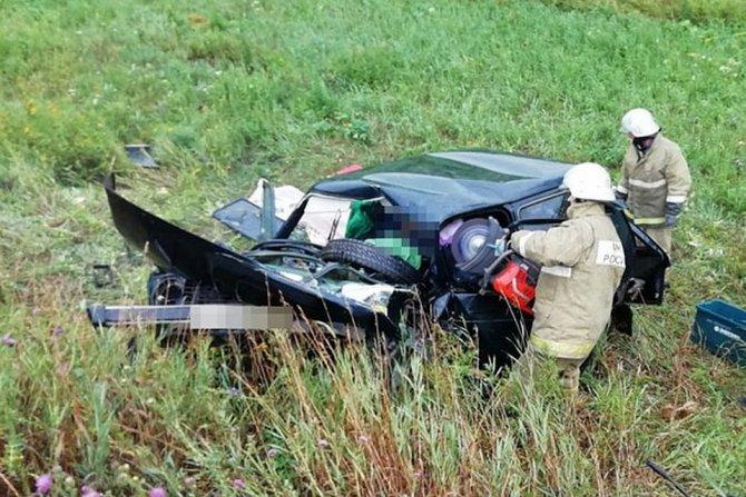 Двое взрослых и девочка погибли в ДТП в Башкирии