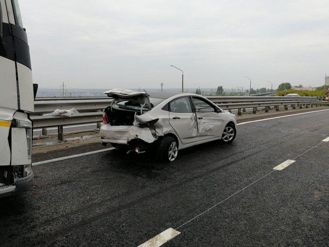 Водитель лесовоза погиб в массовом ДТП в Набережных Челнах (2)