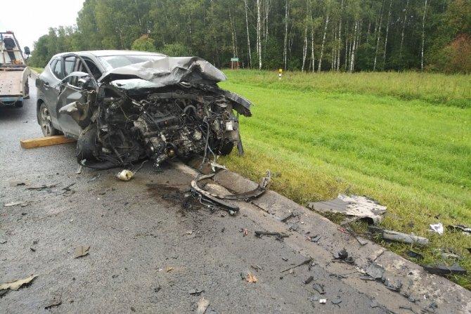 Пассажир иномарки погиб в ДТП в Тульской области (5)