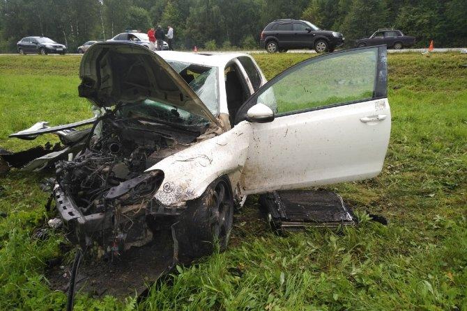 Пассажир иномарки погиб в ДТП в Тульской области (7)