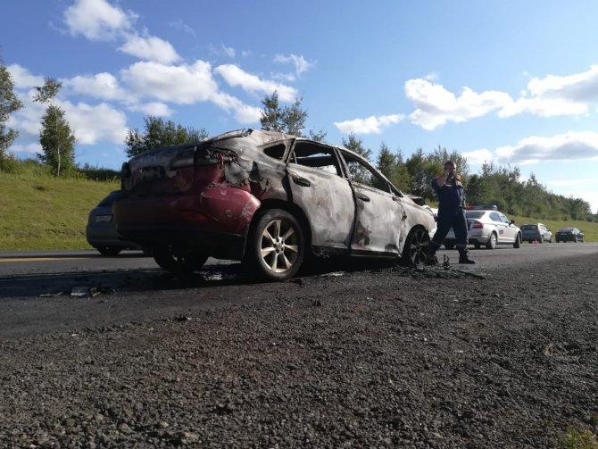 Под Тулой в ДТП сгорели три машины – погибли два человека (1)