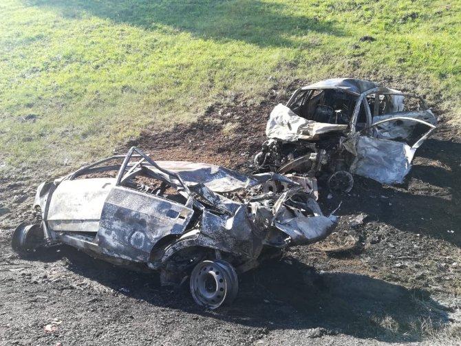 Под Тулой в ДТП сгорели три машины – погибли два человека (2)