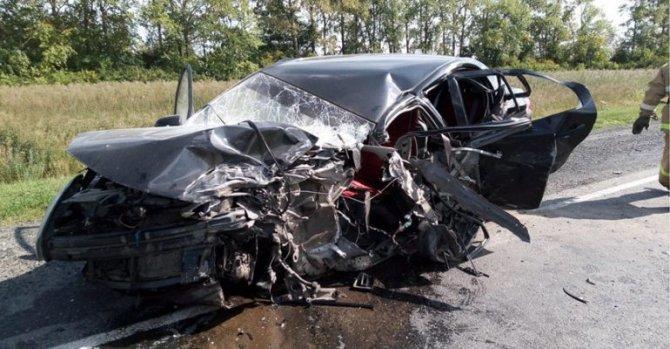 21-летняя девушка-водитель погибла в ДТП в Чувашии (1)