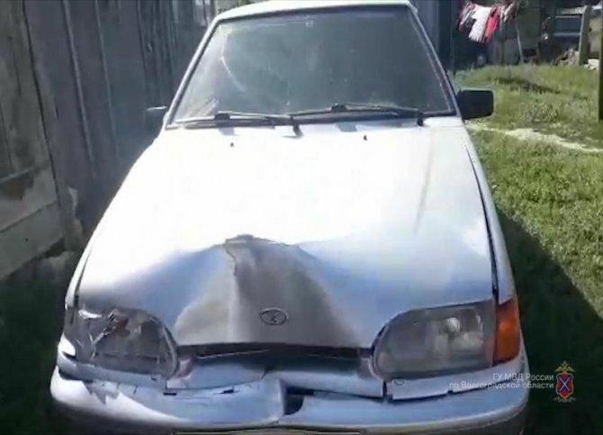 Водитель насмерть сбил женщину и скрылся в Палласовском районе Волгоградской области