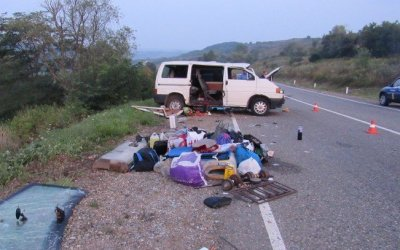 Ребенок погиб в опрокинувшемся микроавтобусе на Кубани