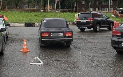 В Сыктывкаре автомобиль сбил 8-летнюю девочку