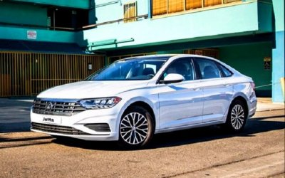 Новый Volkswagen Jetta приедет вРоссию вследующем году