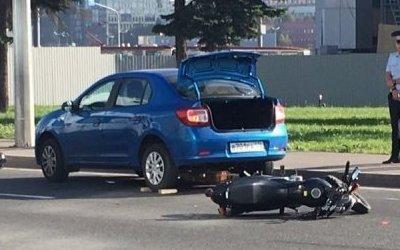 Мотоциклистка погибла в ДТП в Петербурге