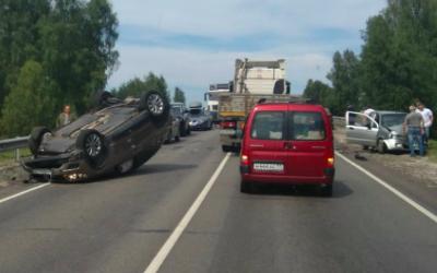 В ДТП под Брянском пострадали двое взрослых и двое детей