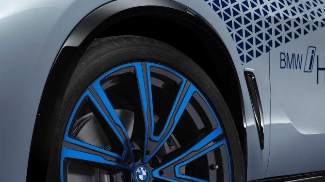 BMW i Hydrogen Next  5