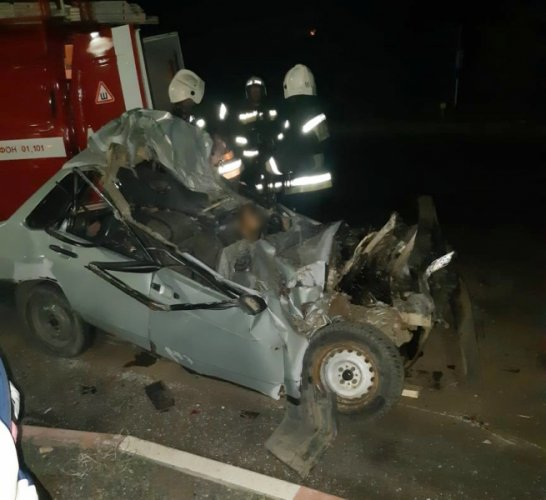 20-летний водитель погиб в ночном ДТП в Астраханской области