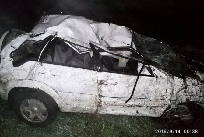 В Кузбассе в ночном ДТП погиб водитель (2)