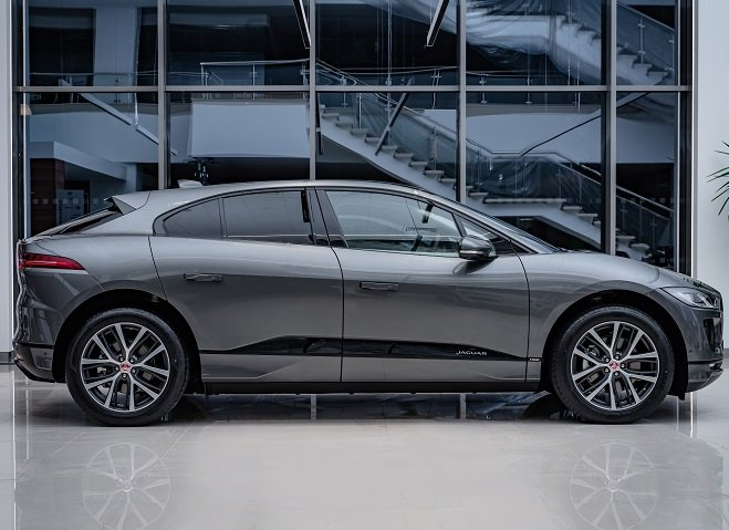 Jaguar I-PACE (1).jpg