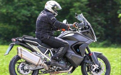 KTM подстраховывает мотоциклистов