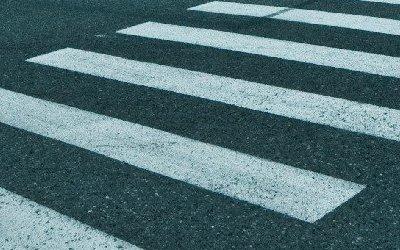 В Кронштадте автомобиль сбил девушку