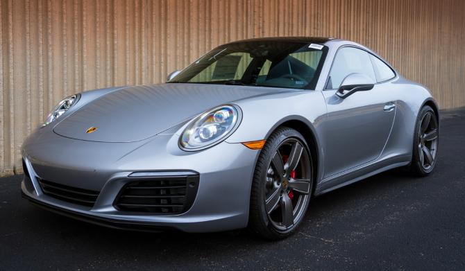 7 Porsche 911 Carrera 4S