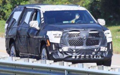 Новый Cadillac Escalade: камуфляжа стало меньше