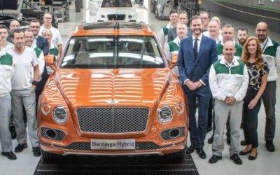Начаты поставки гибридных Bentley Bentayga