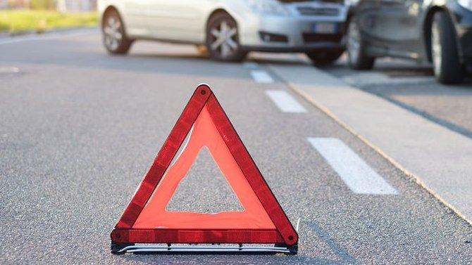 Под Ростовом 76-летний водитель не уступил дорогу 24-летнему - в результате случилось ДТП