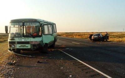 Три человека пострадали в ДТП с автобусом Астраханской области