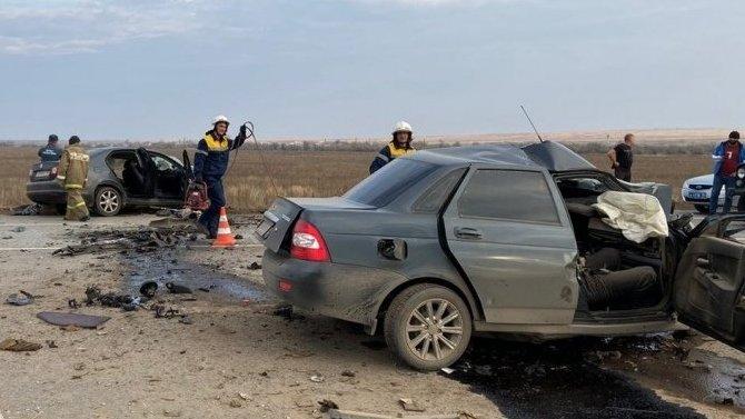 В Волгоградской области в ДТП погибли три человека