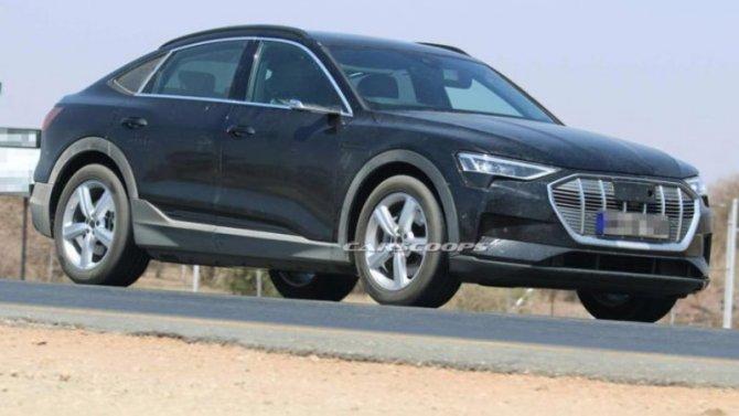 Автожурналисты сфотографировали Audi e-Tron Sportback без камуфляжа