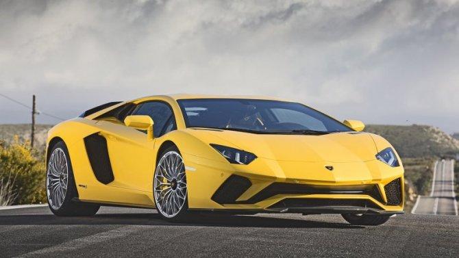 ВРоссии отзывают Lamborghini Aventador