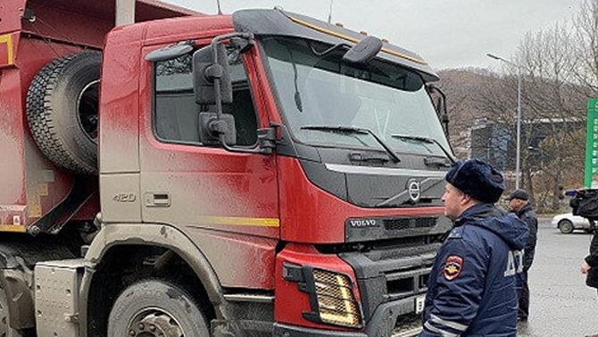 В ГИБДД объяснили тотальную проверку грузовиков на Камчатке серией смертельных ДТП