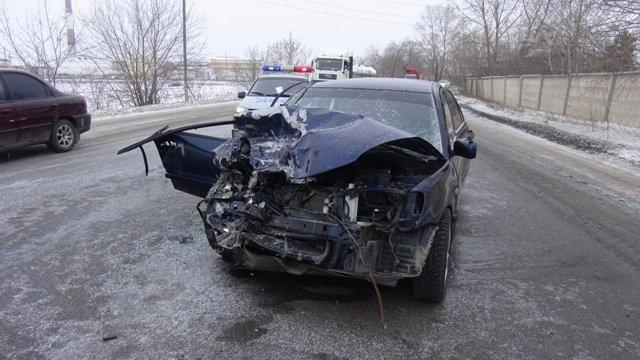 В Свердловской области женщина-водитель отвлеклась на телефон и устроила смертельное ДТП (2)