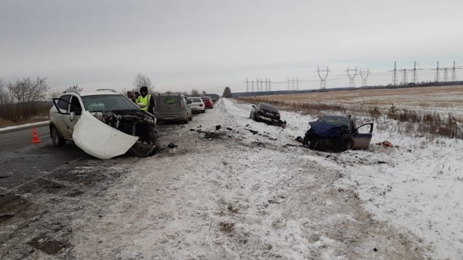 Четыре человека пострадали в ДТП в Свердловской области