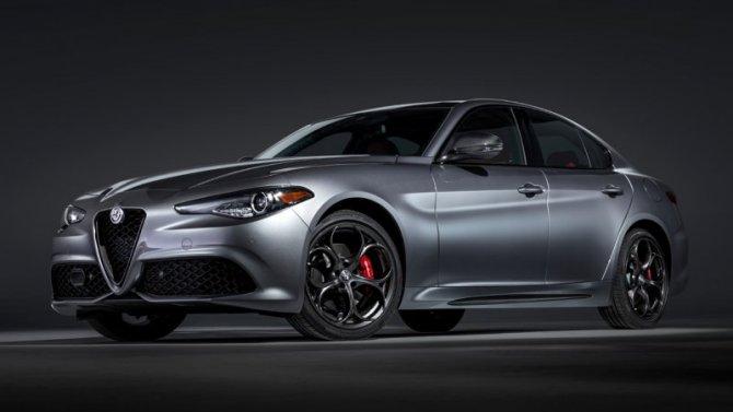Alfa-Romeo представила обновлённые Giulia иStelvio