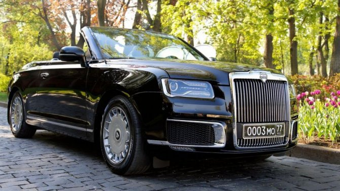 Aurus: кабриолет будет выпускаться серийно, аминивэн свнедорожником покажут через год