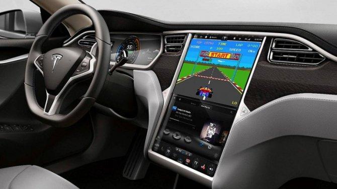 Tesla усовершенствует свою мультимедийную систему