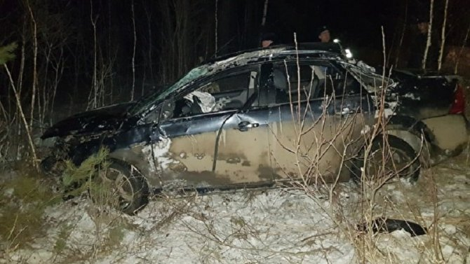 В Свердловской области при опрокидывании машины погиб человек