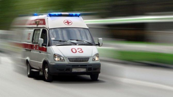 В Петербурге иномарка сбила двух девочек