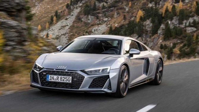 Купе Audi R8 стало заднеприводным