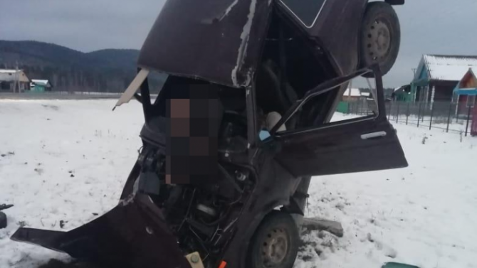 В Башкирии «Нива» врезалась в столб – водитель погиб