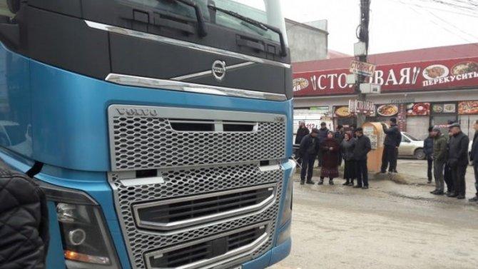 В Хасавюрте грузовик насмерть сбил ребенка