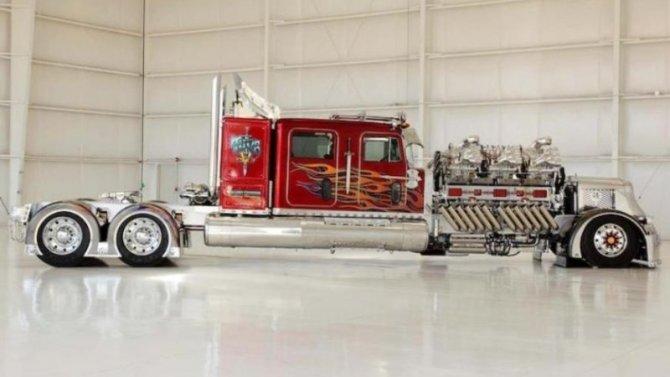 Гигантомания по-американски: создан очередной шедевр - самодельный гигантский тягач