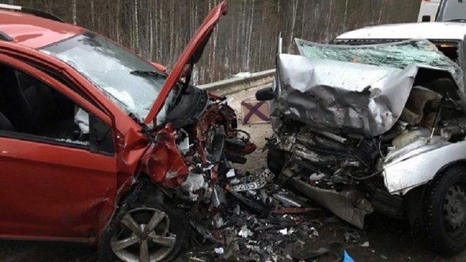 В ДТП под Ухтой погибла девушка
