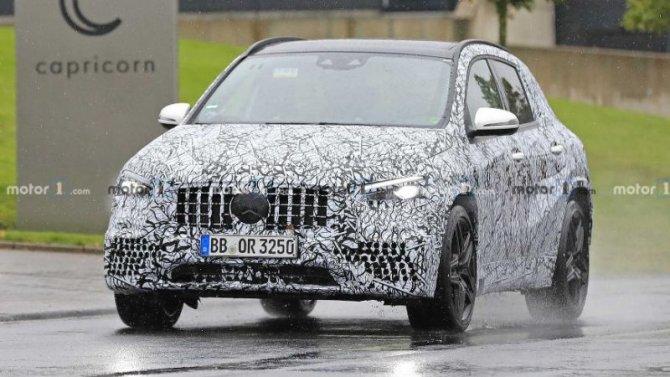 На «Нюрбургринг» выехал новый Mercedes-AMG GLA 45