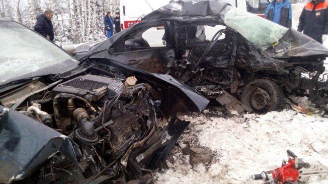 Две женщины и девочка погибли в ДТП в Марий Эл