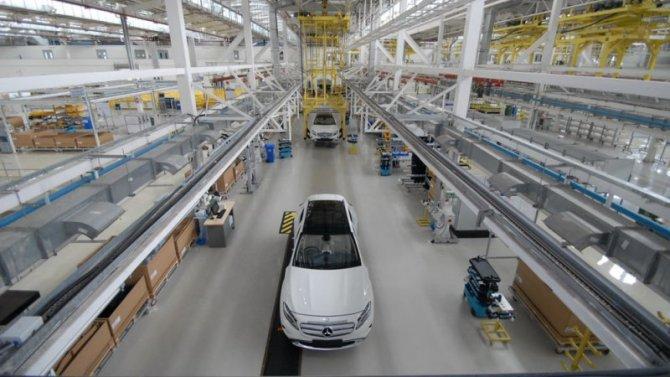 Daimler-Benz сокращает штаты
