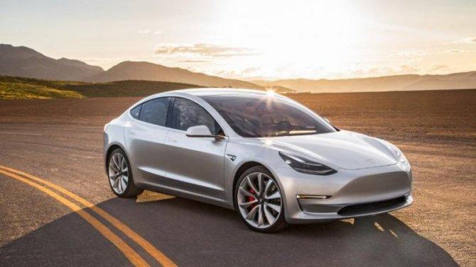 УTesla Model 3 возрастёт пробег наодной зарядке